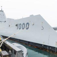 USS Zumwalt arrives in CFB Esquimalt. Photo by Peter Mallett, Lookout