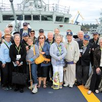 Members of HMCS Uganda and HMCS Quebec Veterans Association pose for a group shot during a tour of HMCS Ottawa, Sept. 16, 2016. Photo by Peter Mallett, Lookout