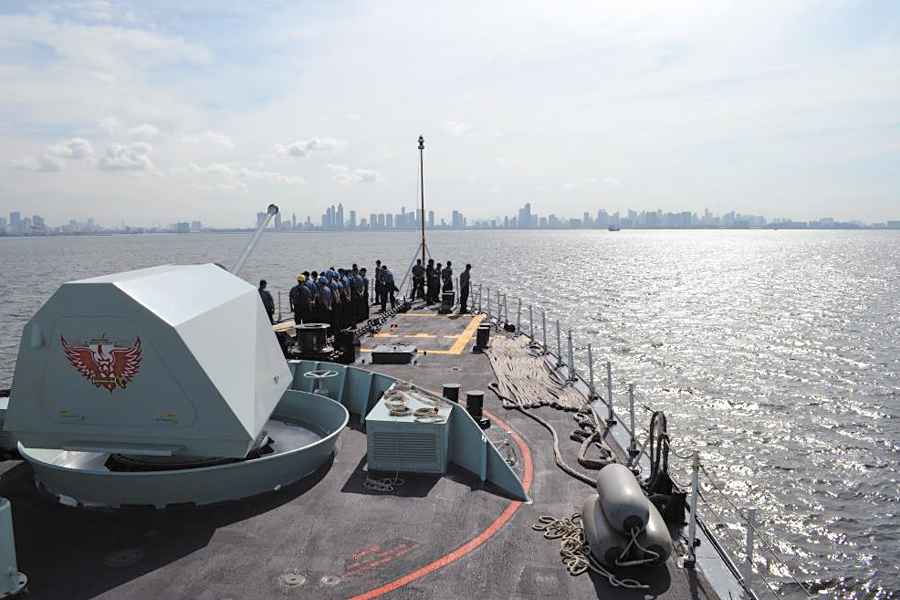HMCS Ottawa enters South China Sea
