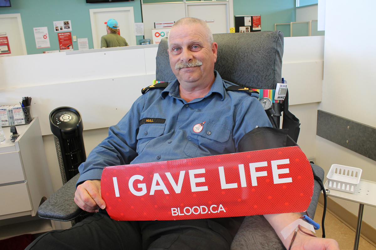 It's just another day at the blood bank for LS Robert Hull. What's unique is it is his 500th donation.