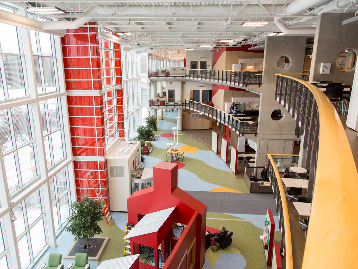 The interior of Carling Campus, the new National Defence Headquarters on the west end of Ottawa. The modernized facility is expected to increase organizational efficiency and generate cost savings as it consolidates over 9,000 people from over 40 locations across the National Capital Region. Photo courtesy of The Guard