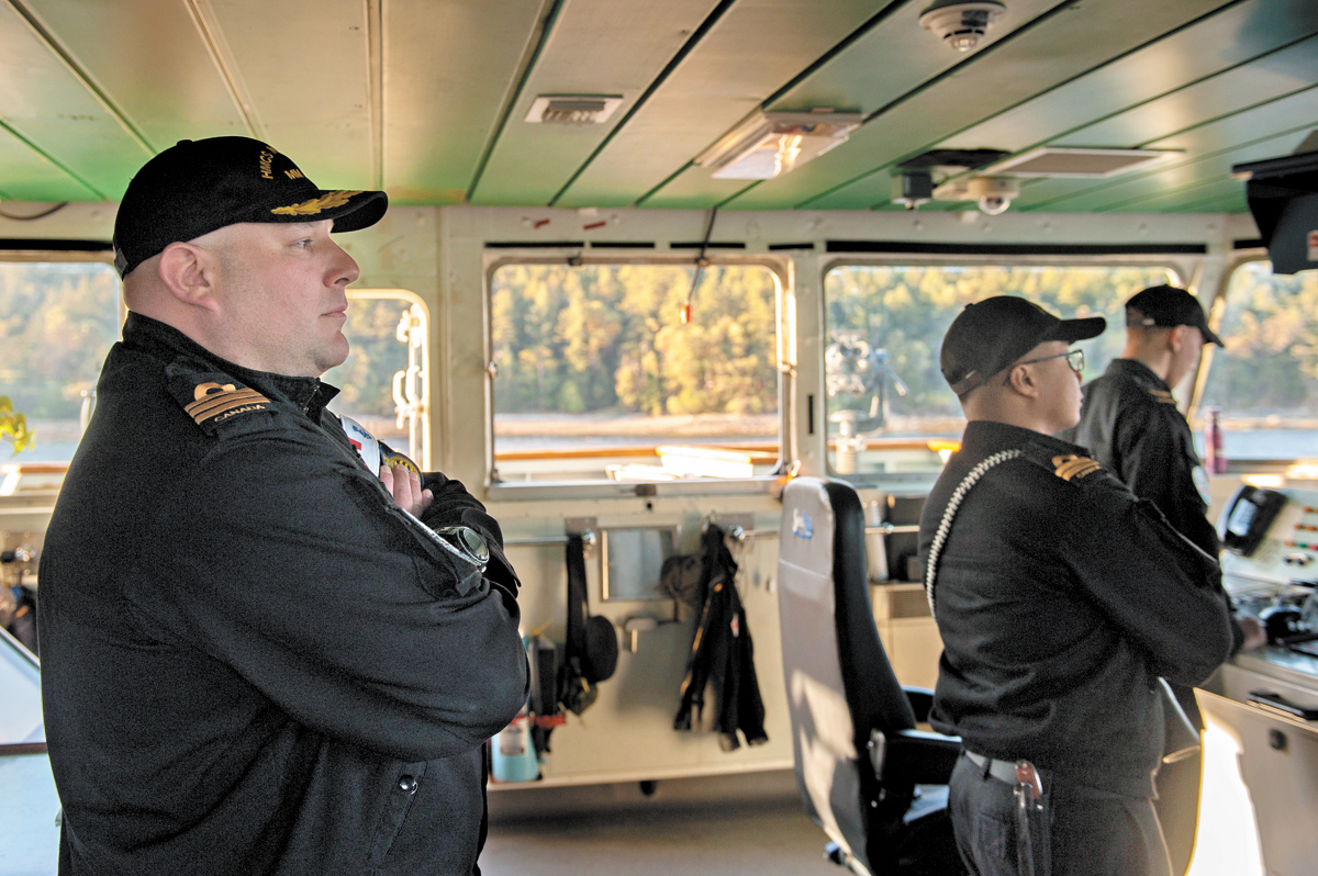 Commander Jason Bergen, Commanding Officer of HMCS Nanaimo, oversees a transit.  Photo by Leading Seaman Brendan Gibson, MARPAC Imaging