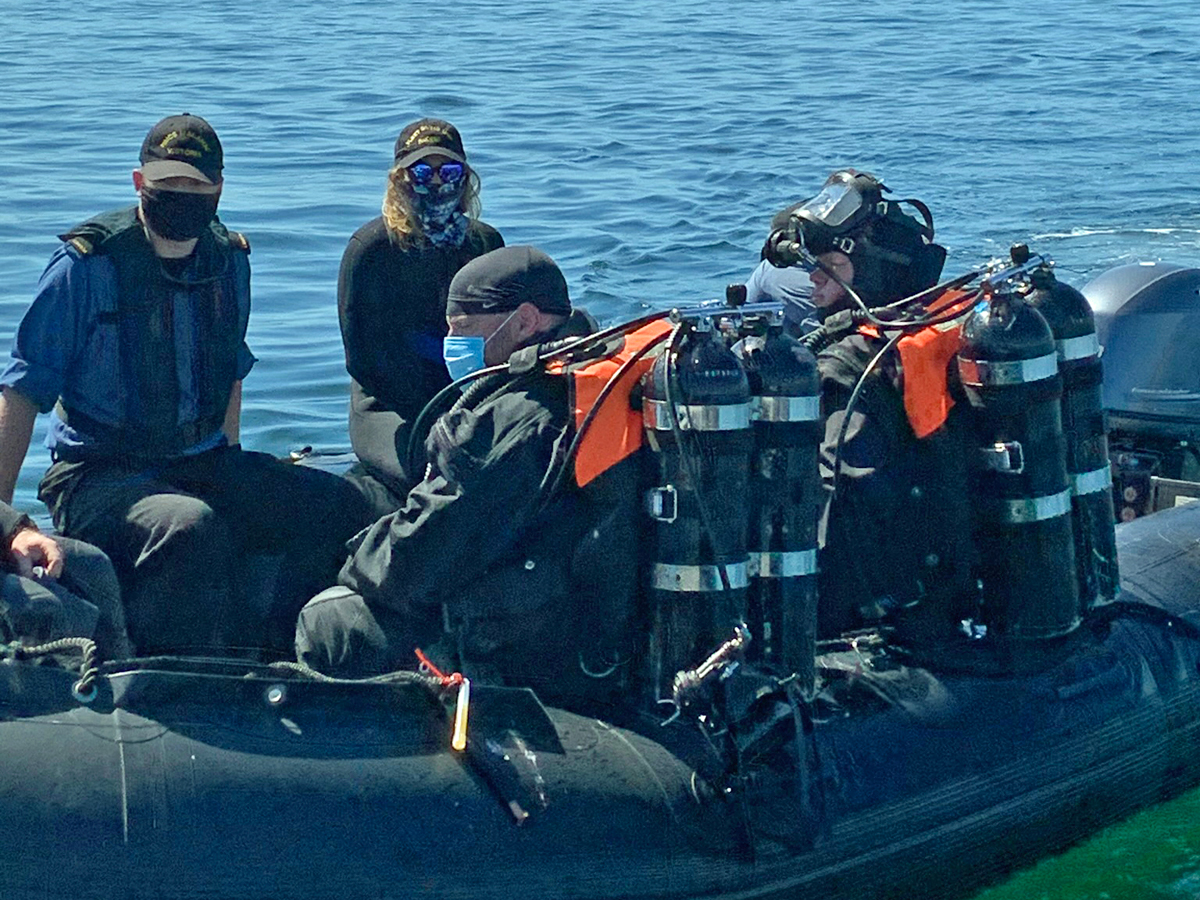 Divers from HMCS Malahat enjoyed ideal dive  conditions near the breakwater off Ogden Point.