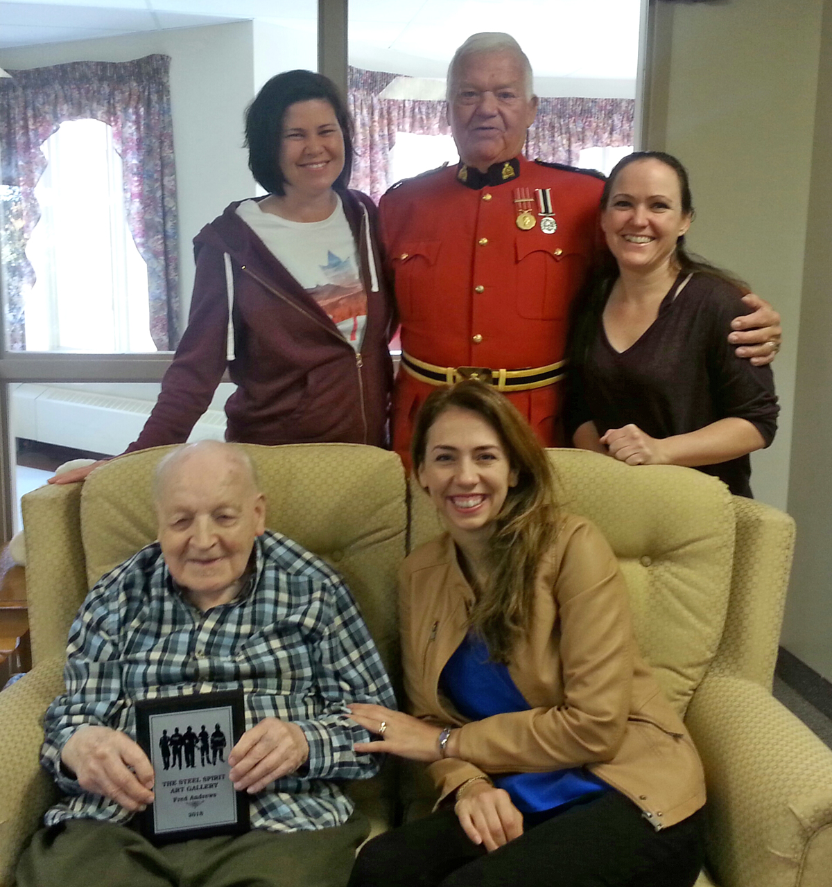 Members of The Steel Spirit meet with poet Fred Andrews at Roberta Place Retirement Lodge long-term care facility in Barrie, ON. Back row from left: Trisha MacLeod, Colin Partridge, and Lee-Ann LeMesurier. Front Row: Andrews and The Steel Spirit founder Barbara Brown. Photo credit: Roberta Place